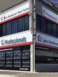 Professionals Mermaid (PM), Professionals - John Henderson