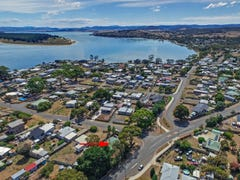 2 Third Avenue, Dodges Ferry, Tas 7173
