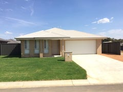 10 Paddlesteamer Court, Thurgoona, NSW 2640