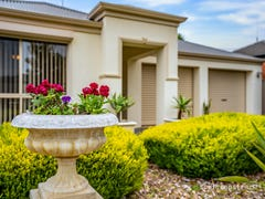 11 Robb Street, Encounter Bay, SA 5211