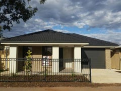 17 Small Crescent, Smithfield Plains, SA 5114