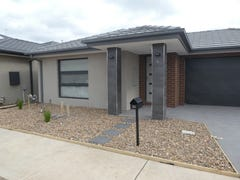 30 Forton Crescent, Cranbourne West, Vic 3977