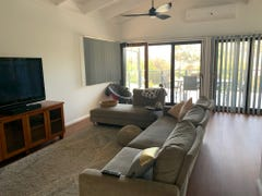 584 Beach Road, Denhams Beach, NSW 2536