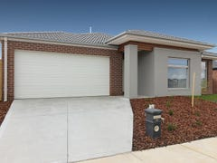 35 Observatory Street, Clyde North, Vic 3978