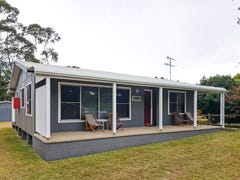 24 Candlagan Drive, Broulee, NSW 2537