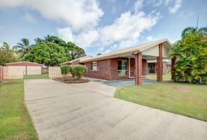 7 Leister Court, Bucasia, Qld 4750