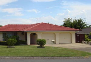 4 Whitehead Drive, Burleigh Waters, Qld 4220
