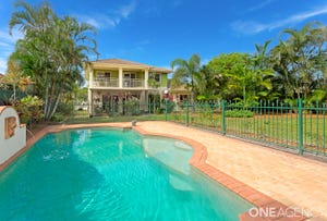 17 Mein Street, Scarborough, Qld 4020