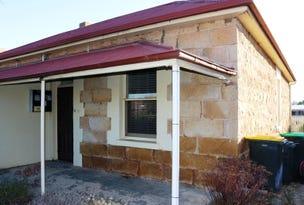 11 CLARKE STREET, Young, NSW 2594
