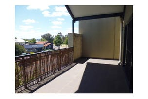 4/34  The Crescent, Midland, WA 6056