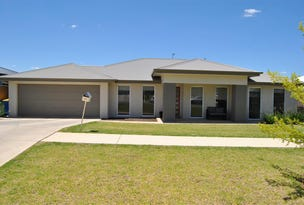 40 Strickland Drive, Boorooma, NSW 2650