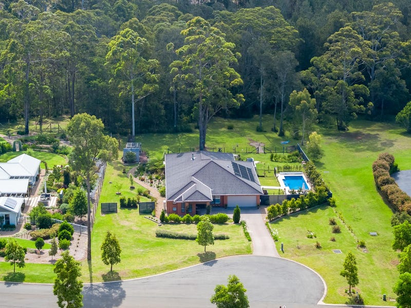 8 Brushbox Place, Batehaven
