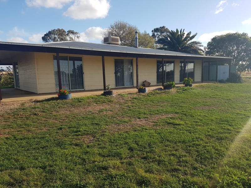 2231 Oxley Highway, Tamworth, NSW 2340