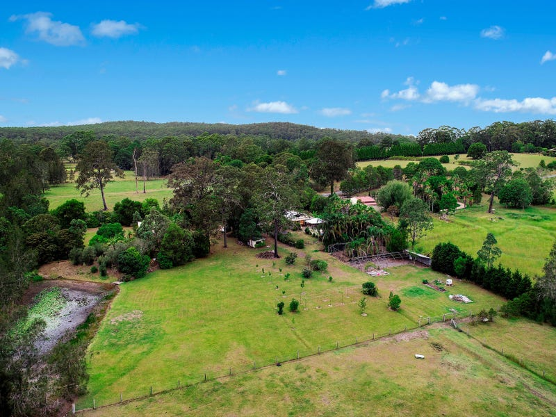 15 McLarens Road, Lake Cathie, NSW 2445
