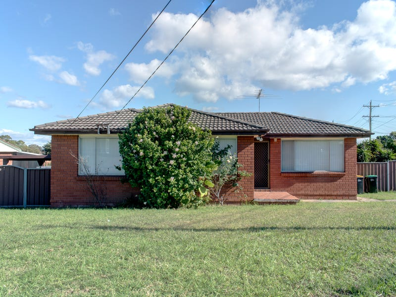 2 THRIFT STREET, Colyton, NSW 2760
