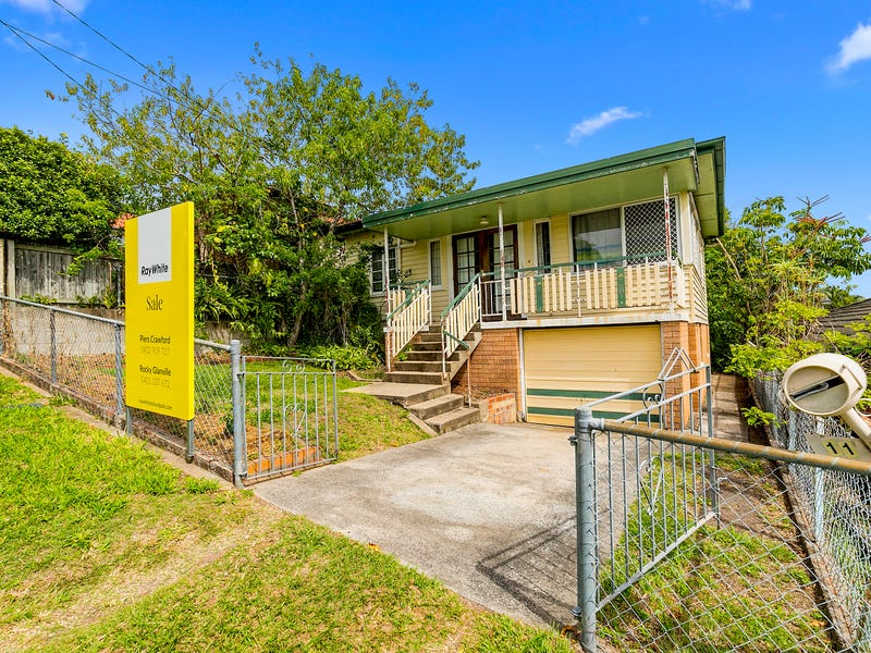 11 Gower Street, Holland Park West, Qld 4121
