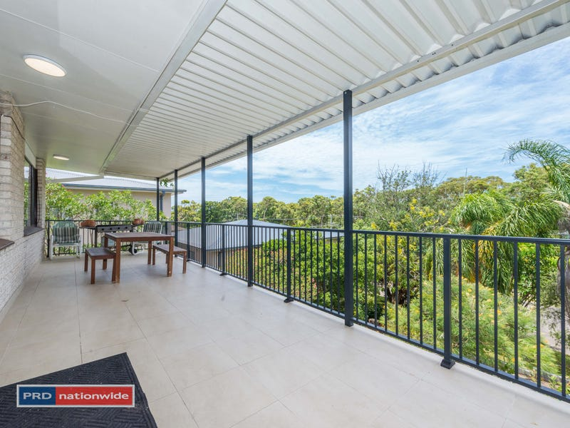1/10 Rocky Point Road, Fingal Bay, NSW 2315