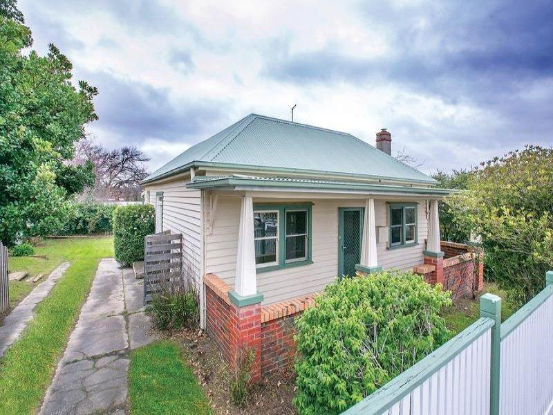 330 Neill Street, Soldiers Hill, Vic 3350