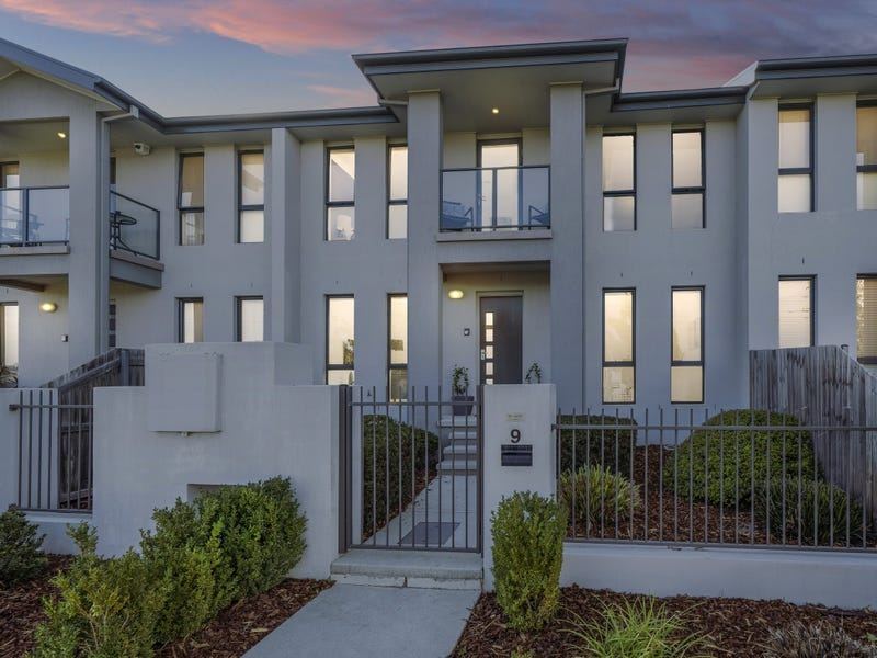 9 Lansdown Crescent, Casey, ACT 2913