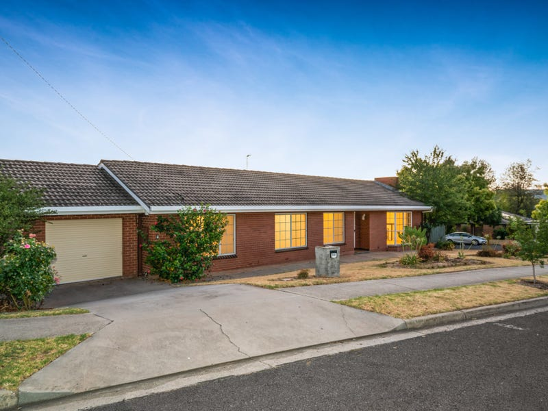 315 Mark Crescent, Lavington, NSW 2641