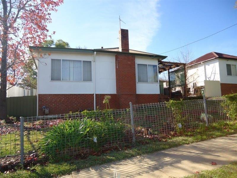 15 Bolger Avenue, Mount Austin, NSW 2650