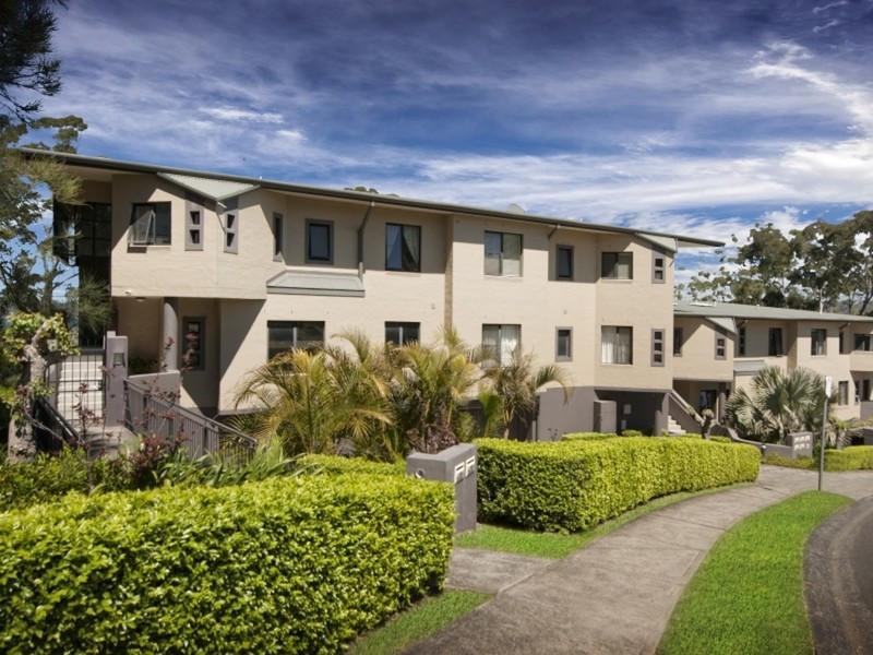 4/84 John Whiteway Drive, Gosford, NSW 2250