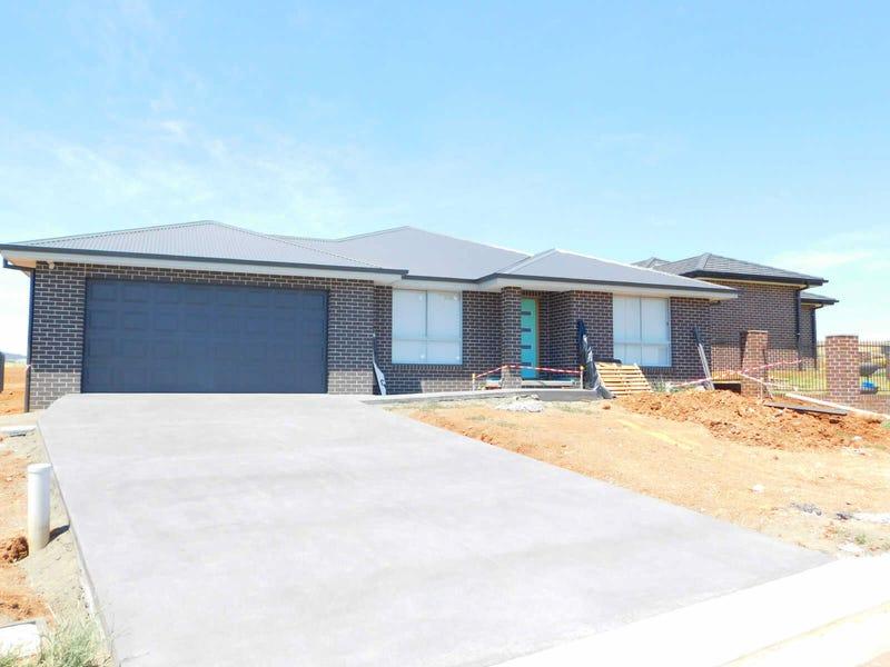 27  TUSCANY BOULEVARD DRIVE, North Tamworth, NSW 2340