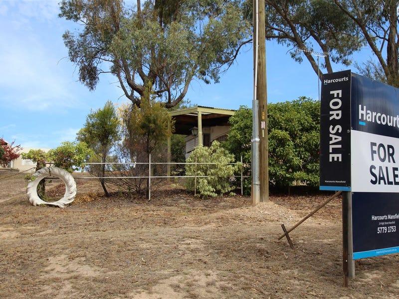 17 Howes Creek - Goughs bay  Rd, Goughs Bay, Vic 3723