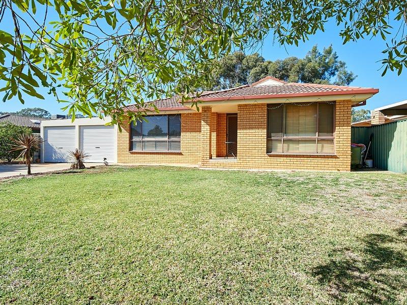 70 Huthwaite Street, Mount Austin, NSW 2650