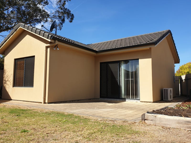 1/2 Mildura Court, Hope Valley, SA 5090