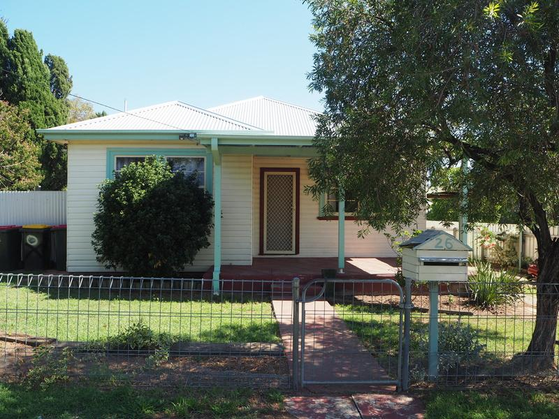26 Woodstock Street, Tamworth, NSW 2340