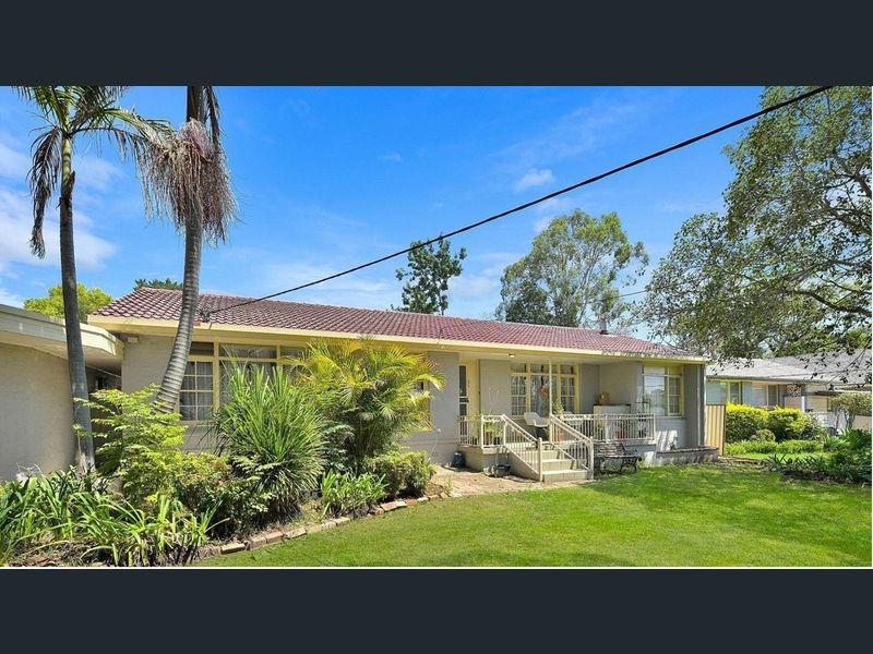 2 Ambleside Drive, Castle Hill, NSW 2154