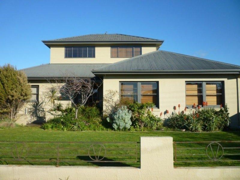 35 Parker Street, Devonport, Tas 7310