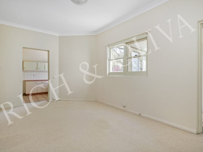 2/1 Albert Crescent, Croydon, NSW 2132