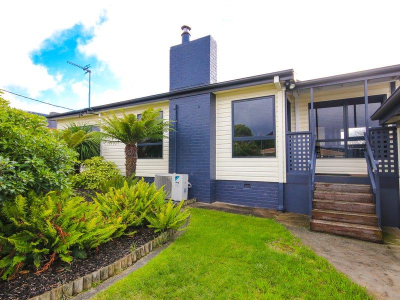2 Manning Crescent, Devonport, Tas 7310