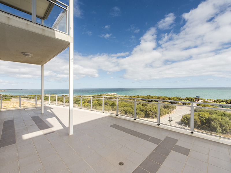 17/52 Rollinson Road, North Coogee, WA 6163