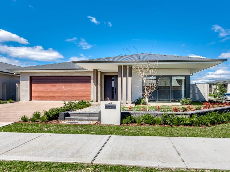 44  Bluestone Avenue, Gledswood Hills, NSW 2557