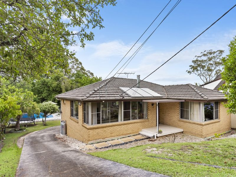 15 Simon Place, Hornsby Heights, NSW 2077