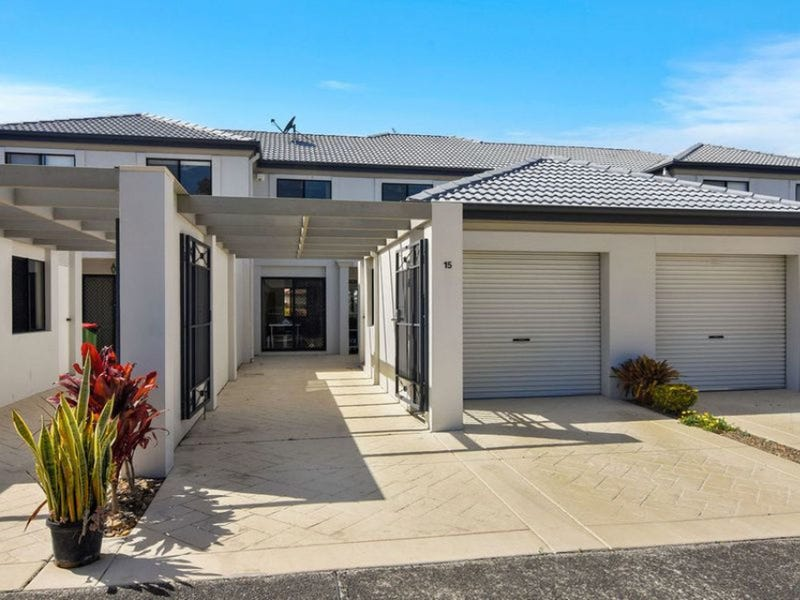 15/2 Bronberg Court, Southport, Qld 4215