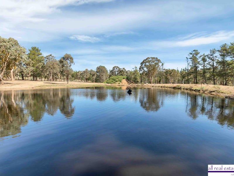 8 Proud Place, Wamboin, NSW 2620