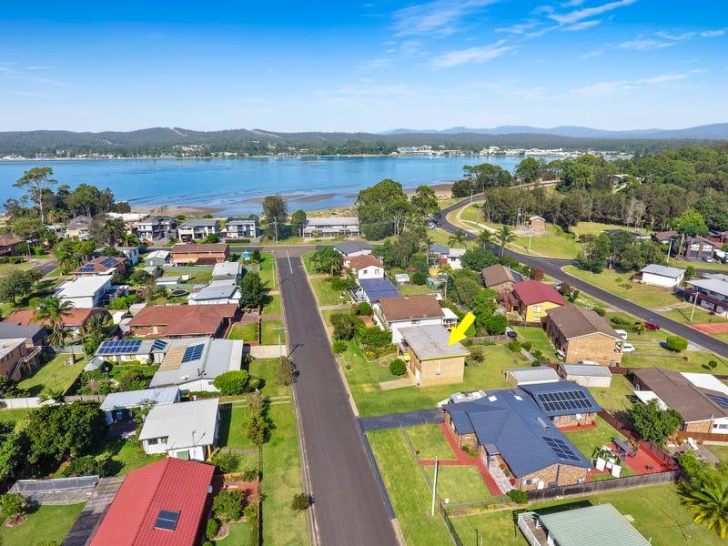 33 Wallaringa Street, Surfside, NSW 2536