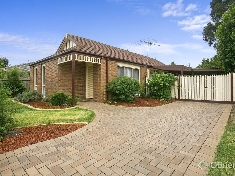 8 Amanda Drive, Carrum Downs, Vic 3201