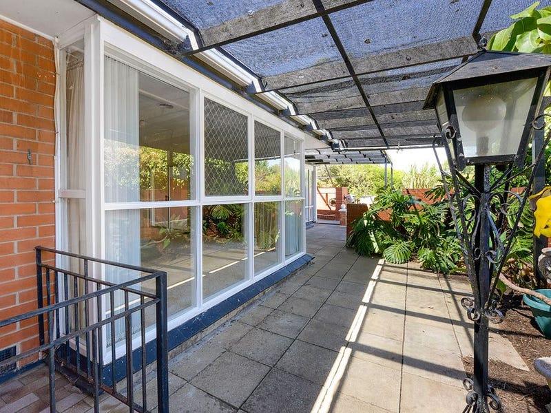 2 Pembry Crescent, Morphett Vale, SA 5162