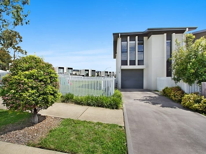 2 Rutherford Avenue, Kellyville, NSW 2155
