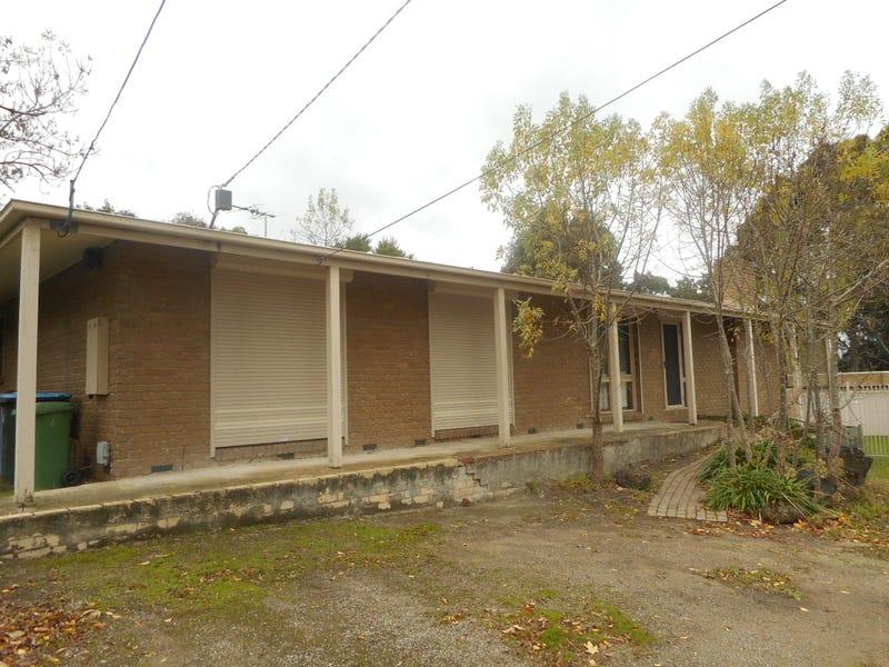 4 RUBIDA COURT, Endeavour Hills, Vic 3802