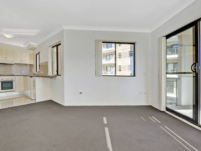 20/6-8 College Crescent, Hornsby