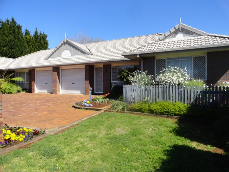 1/2 Seaton Street, South Toowoomba, Qld 4350