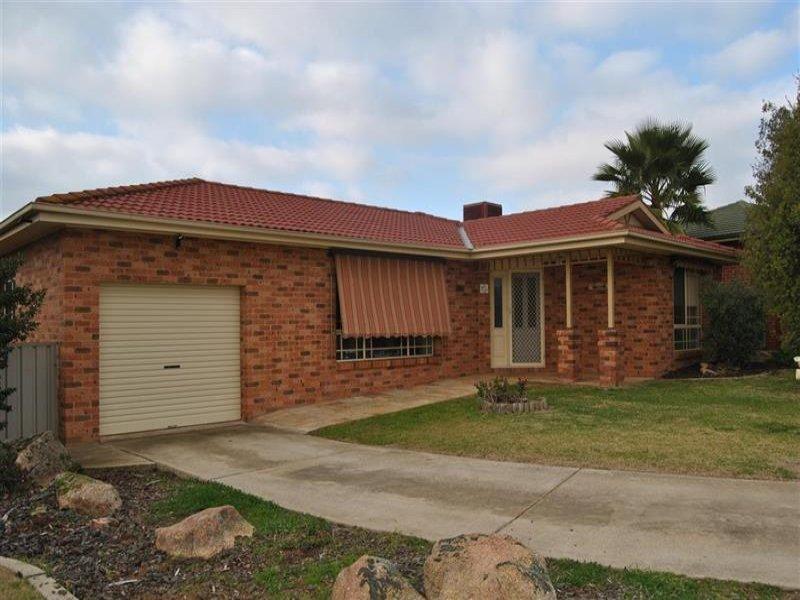 6 Titanga Place, Bourkelands, NSW 2650
