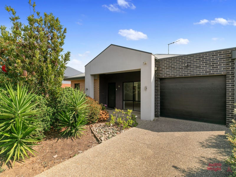 7 Whimbrel Way, Cowes, Vic 3922