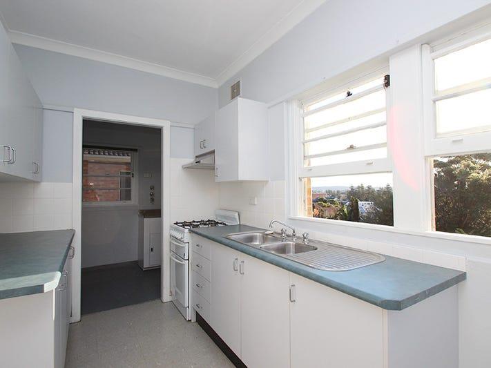 12 Light Street, Bar Beach, NSW 2300